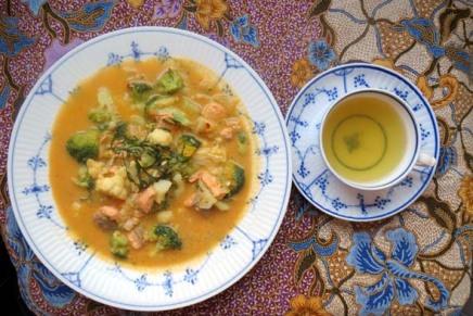 kala-kasviscurry ja vihreääteetä