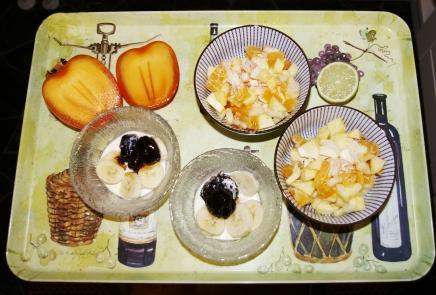kaizun konjakkiluumuja ja hedelmäsalaattia