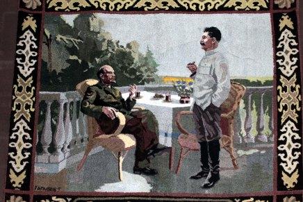 stalinin museossa ja kruunajaiskirkossa