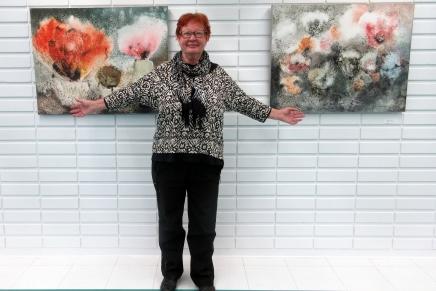 tehokas taidenäyttelyn ripustuspäivä jorvin sairaalanaulassa